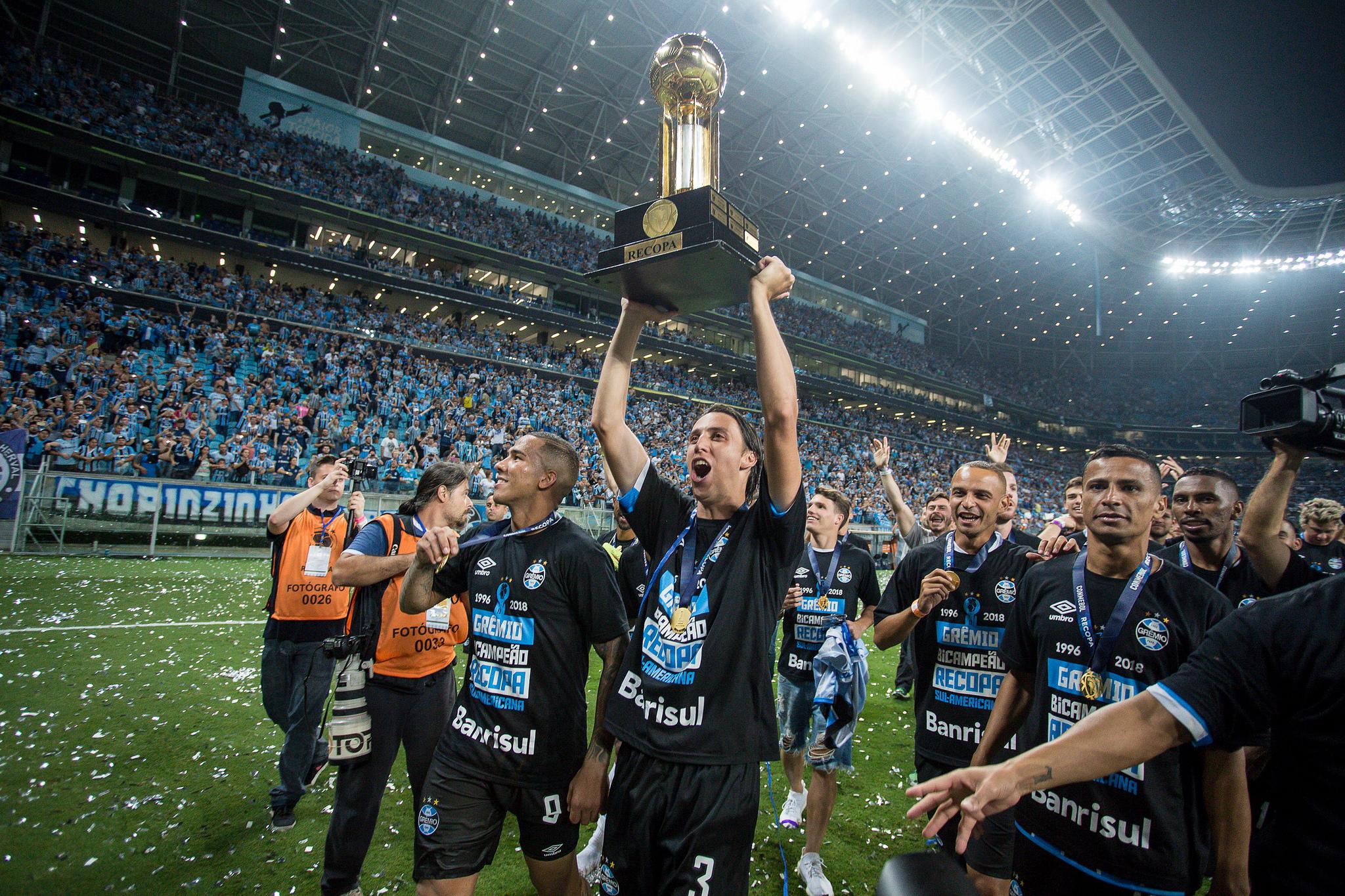 ab68b514b0 Geromel é convocado para amistosos da Seleção Brasileira na Europa