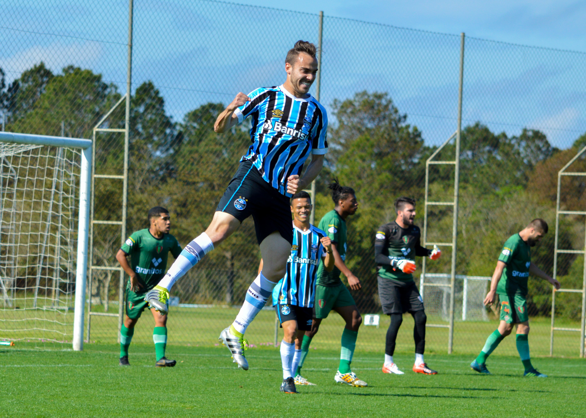 e834682ef89ee Grêmio bate o Nova Prata por goleada na Copa Wianey Carlet