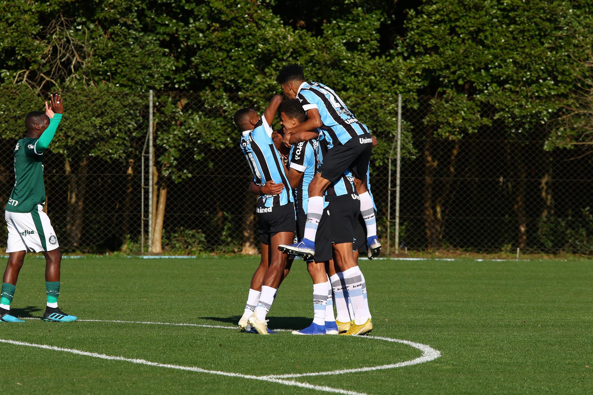Grêmio vira sobre o Palmeiras e conquista vitória no ...