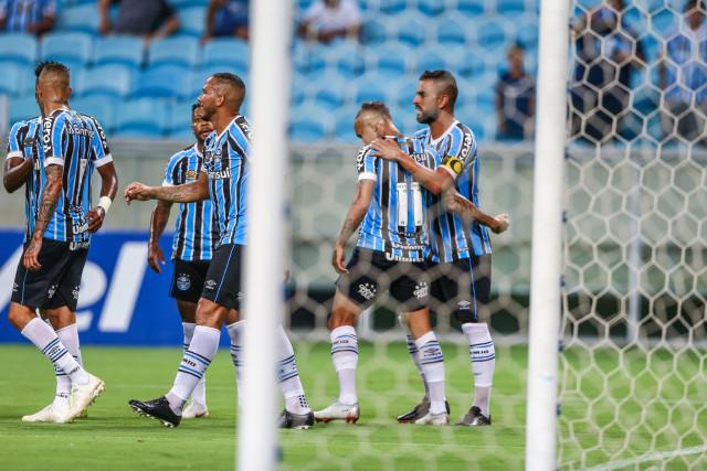 c665f8c84a Grêmio goleia o São Luiz e vence por 4 a 0 na Arena